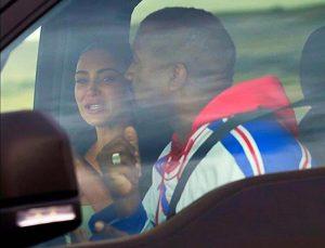 photos of Kim Kardashian crying.